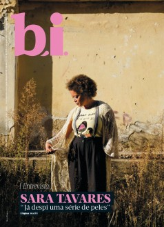 Capa da « : <b>REVISTA bi</b> » do dia « <b>04-11-2017</b> »