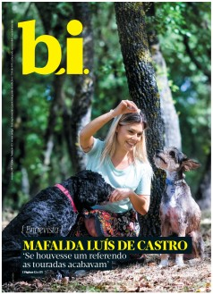 Capa da « : <b>REVISTA bi</b> » do dia « <b>06-05-2017</b> »