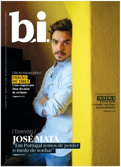 Capa da « : <b>REVISTA bi</b> » do dia « <b>23-04-2016</b> »